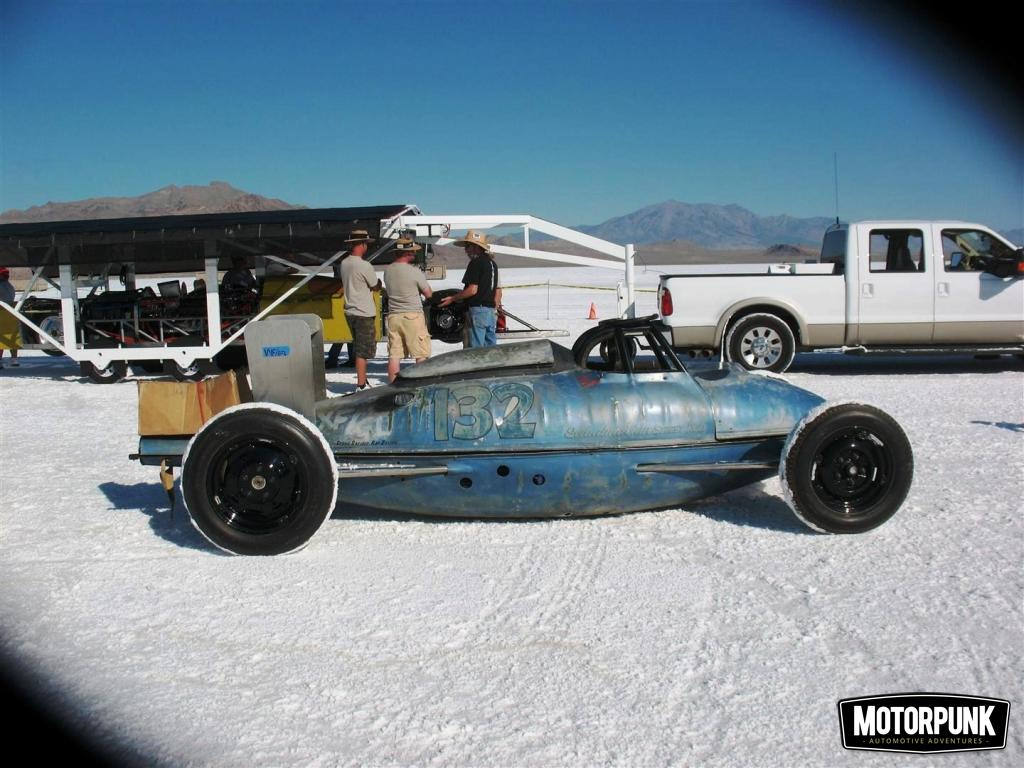 The Beauty Of Bonneville S Belly Tank Racers Motorpunk