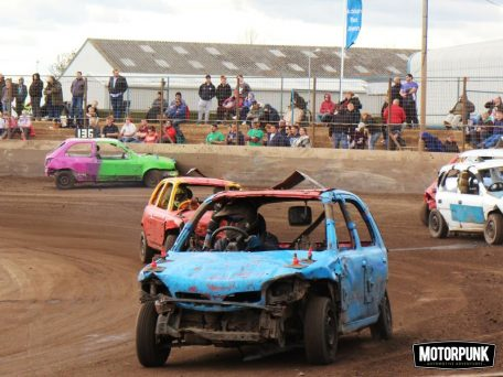 Reliant Robins Go Banger Racing The Most Entertaining