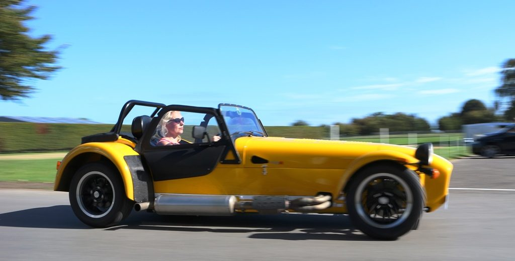 caterham-270r-on-the-move-4