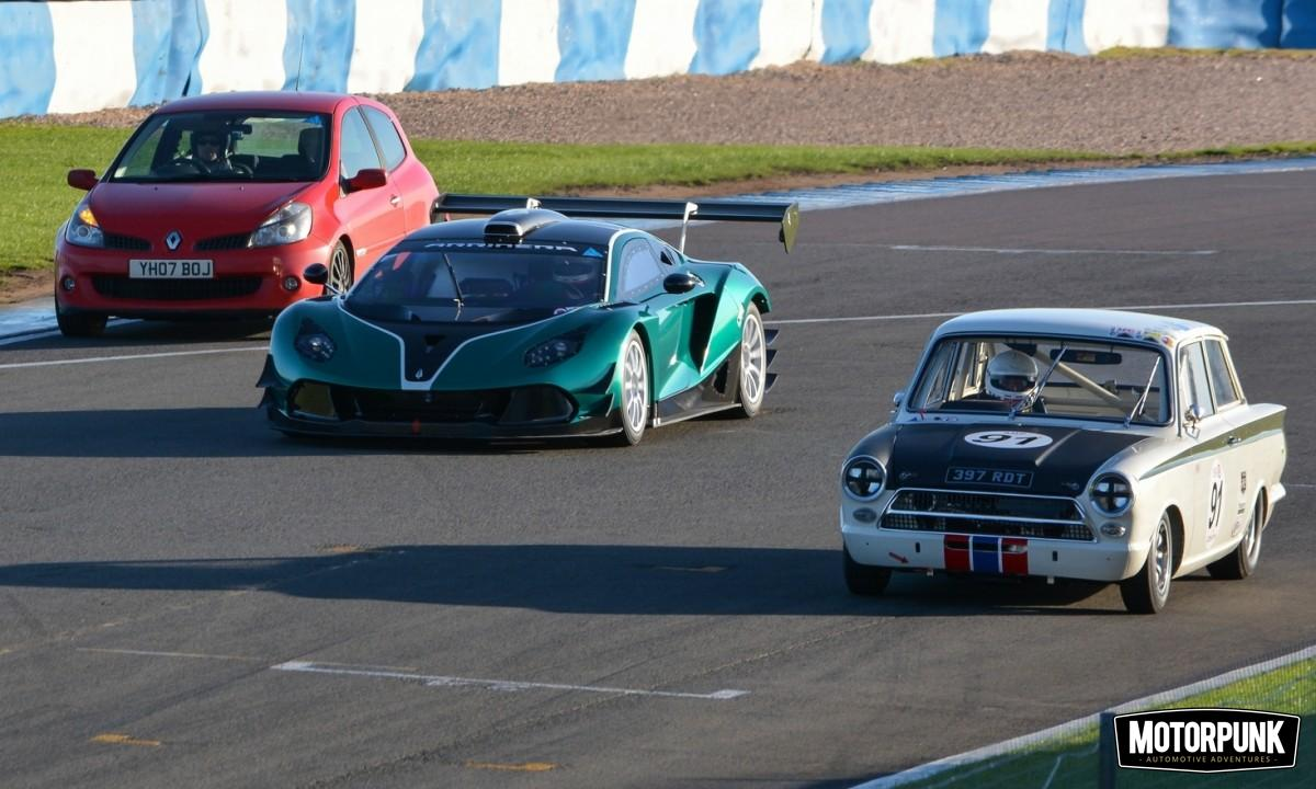 arrinera-hussarya-on-track-donington