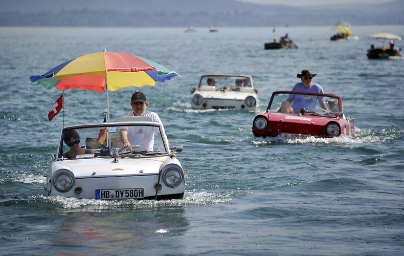 amphibious-car-meet-7.jpg